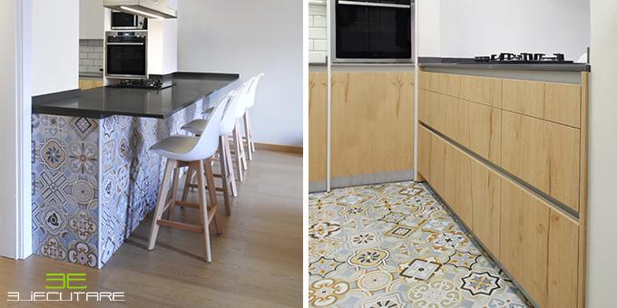 Muestra de los acabados de suelo y paredes con baldosas hidráulicas.