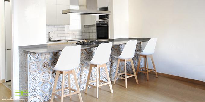 Proyecto de reforma de una cocina con azulejos hidráulicos.